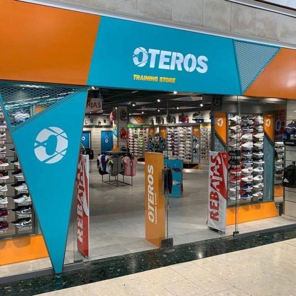 Oteros Sneakers en Centro Comercial Peñacastillo